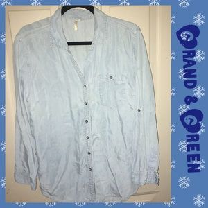 Large button down casual like new